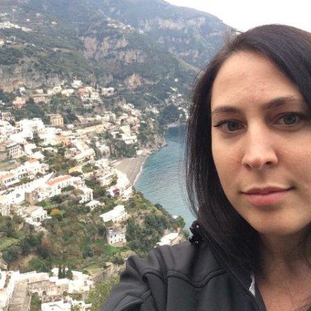 Samantha King of the popular travel blog, Travelling King.